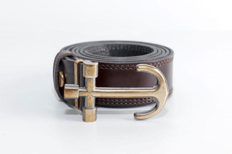 мужской кожаный ремень пряжка золотистый якорь от бренда Верфь