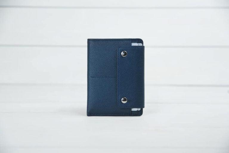 Синяя кожаная обложка для загранпаспорта