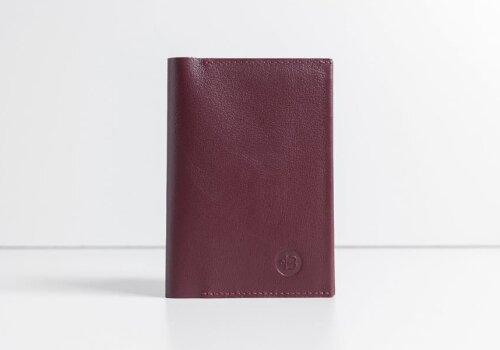 женская кожаная обложка на паспорт бордовая doker bordo