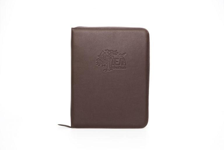 коричневая папка для семейных документов из кожи Дела семейные